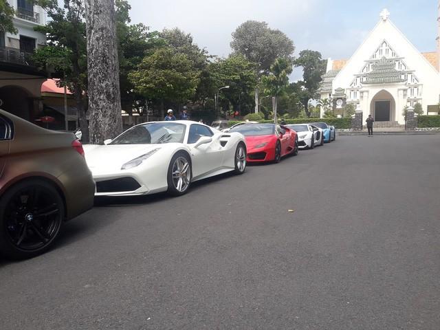 Cường Đô La cùng loạt đại gia Việt khoe dàn siêu xe trăm tỷ dịp cuối tuần - Ảnh 13.