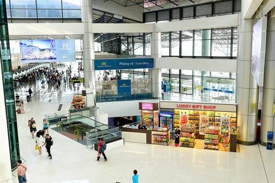 Cận cảnh bề ngoài mới Nhà ga T1 Nội Bài sau 1 năm nâng cấp - Ảnh 4.