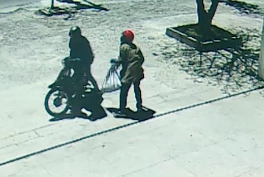 Đã bắt được 2 nghi phạm cướp ngân hàng ở Khánh Hòa - Ảnh 2.