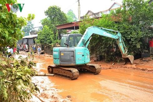 Khẩn trương khắc phục sự cố vỡ bờ đập bãi thải Nhà máy DAP Lào Cai - Ảnh 1.