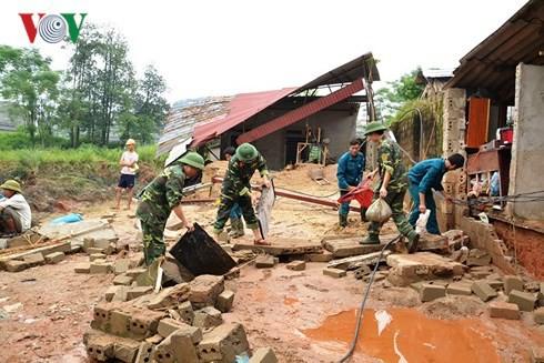 Khẩn trương khắc phục sự cố vỡ bờ đập bãi thải Nhà máy DAP Lào Cai - Ảnh 2.