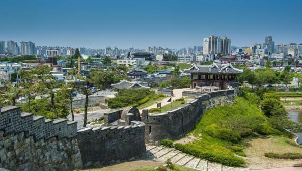 Ann Babe, nữ phóng viên đài BBC của Anh Quốc, hiện đang công tác với vai trò là giáo viên tiếng Anh ở tỉnh Suwon, Hàn Quốc.