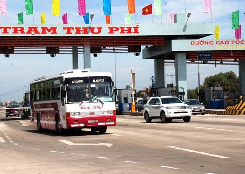Bắt khẩn cấp giám đốc trốn thuế tại trạm thu phí cao tốc TP HCM - Trung Lương - Ảnh 1.