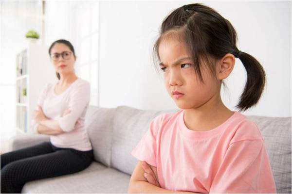 Thấy con có những hành vi ứng xử bất thường này cha mẹ tuyệt đối đừng bỏ qua mà hãy uốn nắn, sửa chữa ngay - Ảnh 4.