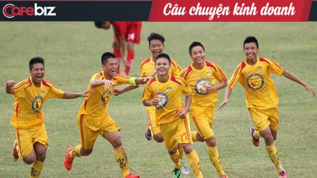 1 năm thành công của bóng đá Việt Nam: Cảm ơn các ông bầu, cảm ơn những lò đào tạo trẻ! - Ảnh 1.
