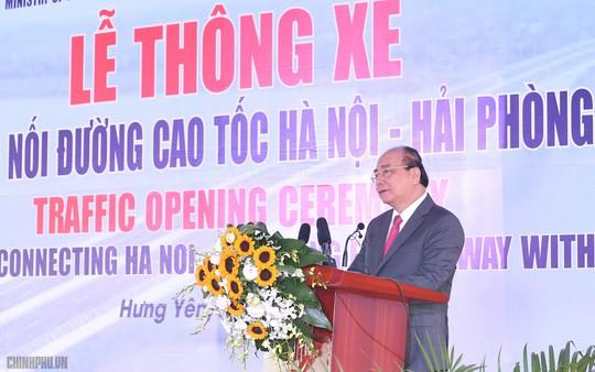 Thủ tướng phát lệnh thông xe cầu Hưng Hà gần 3.000 tỉ đồng - Ảnh 1.