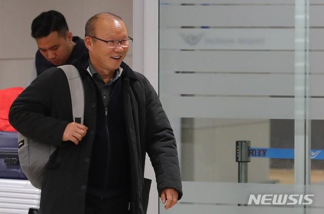 Thầy Park trả lời báo Hàn Quốc: Thành tích vô địch AFF Cup và lọt vào tứ kết Asian Cup chưa phải đỉnh cao nhất - Ảnh 1.