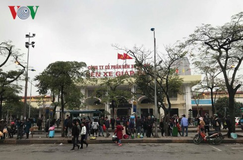 """5 bến xe ở Hà Nội """"cõng"""" cả triệu khách về đón Xuân - Ảnh 2."""