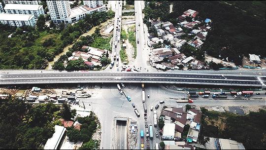 Cận cảnh những công trình mở lối giao thông tại TP HCM - Ảnh 3.