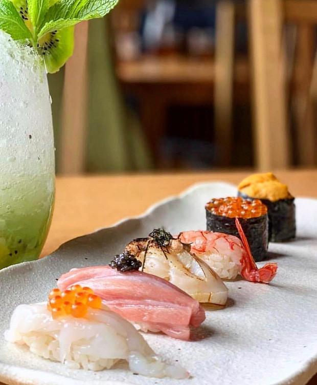 Đố bạn biết sushi và kimbap có gì khác nhau: Ngoài xuất xứ từ 2 quốc gia, điểm đặc trưng này mới là quyết định! - Ảnh 4.