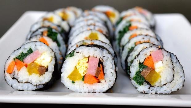 Đố bạn biết sushi và kimbap có gì khác nhau: Ngoài xuất xứ từ 2 quốc gia, điểm đặc trưng này mới là quyết định! - Ảnh 8.