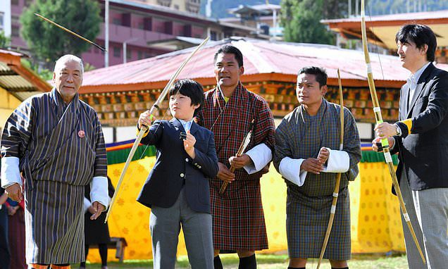 Áp lực khủng khiếp của Hoàng tử Nhật Bản 13 tuổi gánh trên vai tương lai hoàng gia lâu đời nhất thế giới  - Ảnh 1.