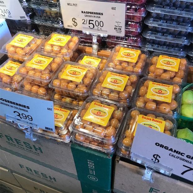 """Một loại quả mọc dại ở Việt Nam nhưng lại được bày bán """"sang chảnh"""" ở siêu thị nước ngoài, vài nơi còn không có đủ cho khách mua - Ảnh 11."""