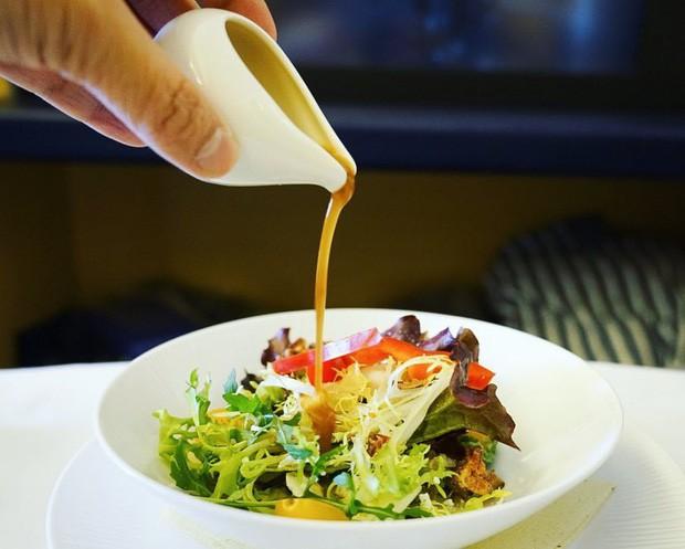 Suất ăn hạng nhất của 15 hãng hàng không này sẽ làm thay đổi quan niệm của bạn về chuyện ăn uống trên máy bay - Ảnh 12.