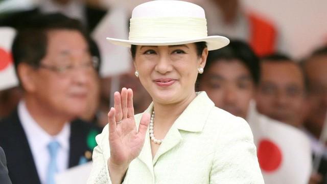 Con đường đầy máu và nước mắt của Hoàng hậu Masako với cuộc sống khắc nghiệt trong hoàng gia Nhật Bản: Từ nữ thường dân tới người phụ nữ quyền lực luôn đau đáu một nỗi niềm  - Ảnh 3.