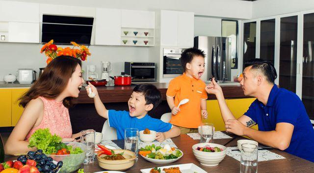 Bận trăm công nghìn việc cũng nên gác lại để về ăn cơm nhà vì những lợi ích bất ngờ sau đây - Ảnh 4.