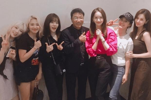 Chuyện gia tộc nhà chủ tịch SM Lee Soo Man: Thái tử ngậm thìa vàng bí ẩn nhất Kbiz và cô cháu gái đình đám châu Á - Ảnh 15.