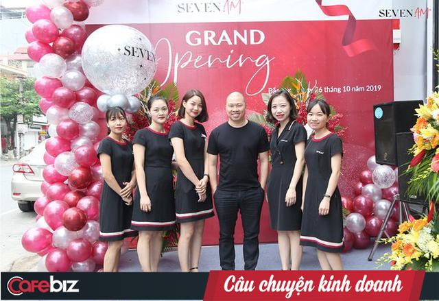 Nguyễn Vũ Hải Anh: Từ gương mặt thân quen của màn ảnh đến ông chủ chuỗi 24 cửa hàng thời trang vướng nghi án cắt mác Tàu, dán nhãn Việt - Ảnh 1.