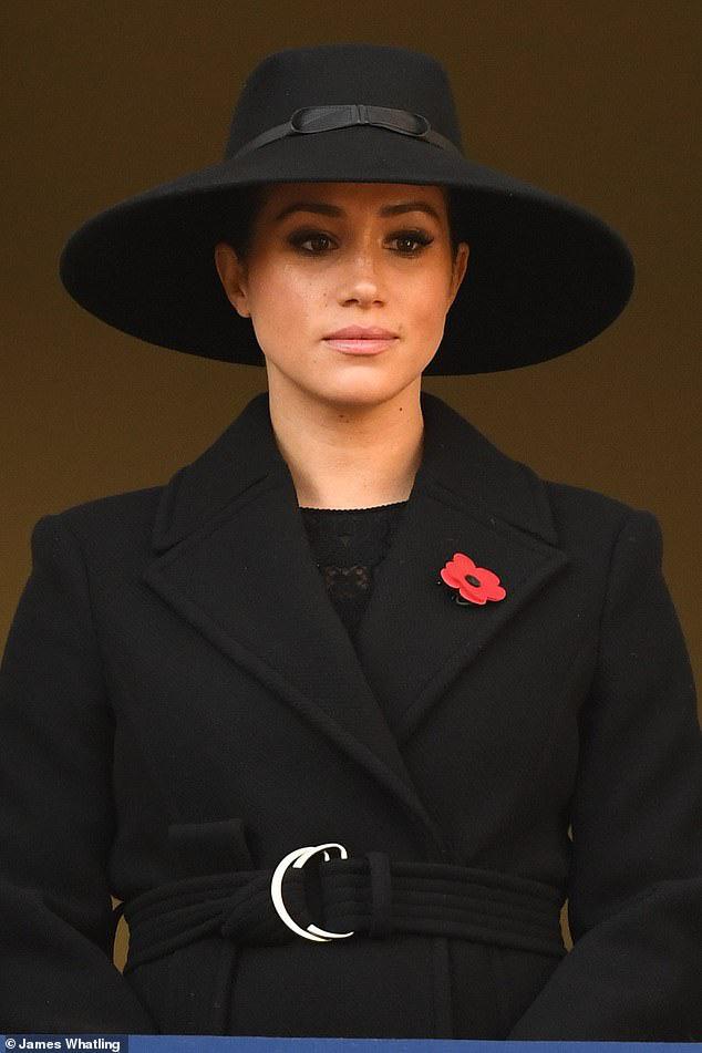 Meghan Markle bị chê gương mặt ảm đạm, không thể chán hơn khi tiếp tục xuất hiện cùng chị dâu Kate - Ảnh 4.