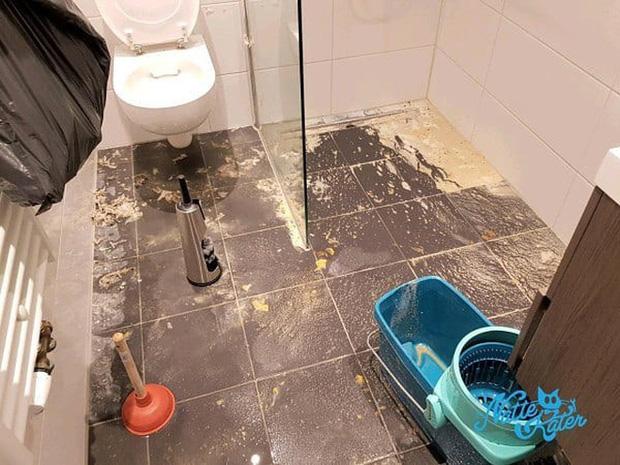 Vào đời với bằng thạc sĩ mà vẫn thất nghiệp, anh chàng đi dọn vệ sinh dạo kiếm 7 tỷ mỗi năm - Ảnh 8.