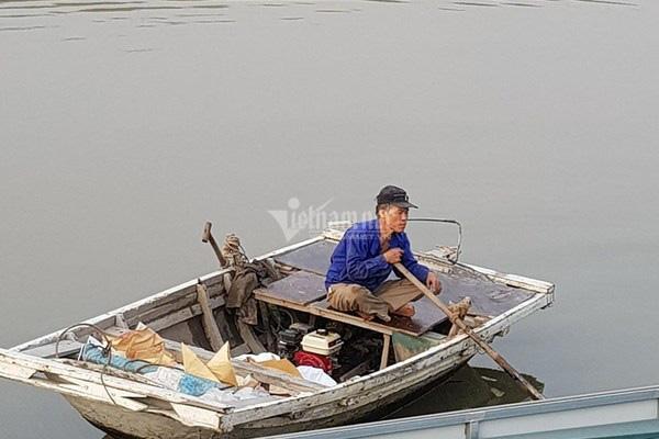 Bục đường ống Xi măng Chinfon Hải Phòng, dầu tràn ra sông - Ảnh 9.