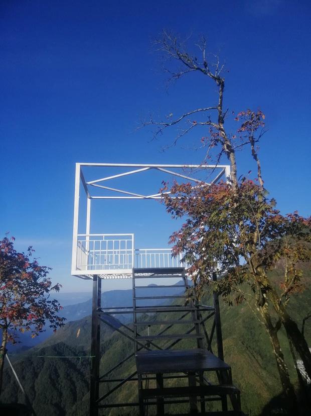 Sau 7 tháng hoãn lên hoãn xuống, cầu kính hoành tráng ở gần Sa Pa đã chính thức lộ diện hình ảnh thật cùng ngày khai trương - Ảnh 9.