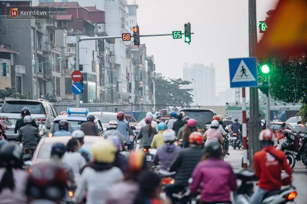 Cảnh báo: Chất lượng không khí tại Hà Nội đang ở mức nguy hại - Ảnh 1.