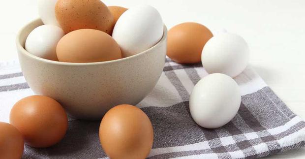 Một người tử vong do ăn nhiều quả trứng một lúc, lời khuyên của bác sĩ khi sử dụng loại thực phẩm bổ dưỡng này - Ảnh 1.