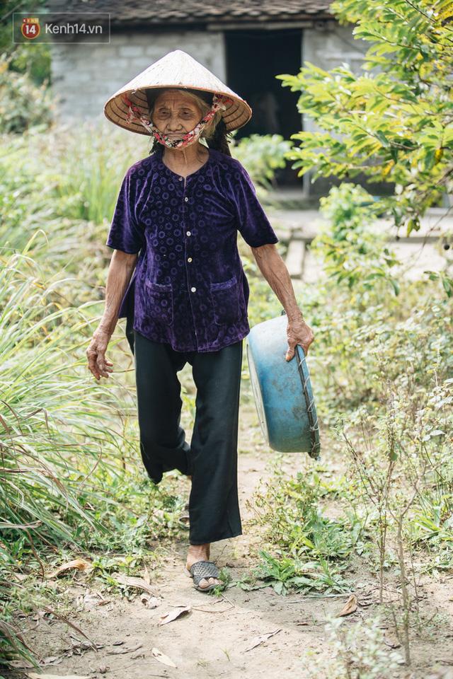 Cuộc sống lạc quan, tự tại của cụ bà đạp xe lên ủy ban xã xin ra khỏi hộ nghèo: 11 đứa con mà tui chưa phải phiền đến đứa mô - Ảnh 13.