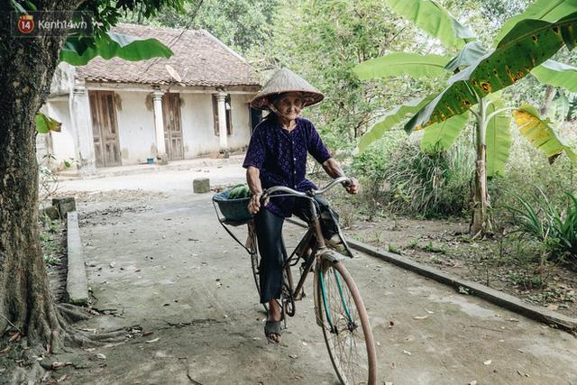 Cuộc sống lạc quan, tự tại của cụ bà đạp xe lên ủy ban xã xin ra khỏi hộ nghèo: 11 đứa con mà tui chưa phải phiền đến đứa mô - Ảnh 10.
