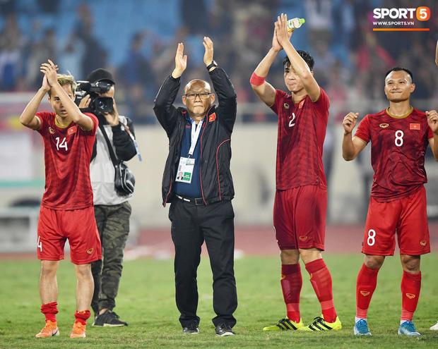 Việt Nam áp sát top 90 thế giới, Thái Lan tụt hạng thảm hại sau trận thua trước Malaysia - Ảnh 1.