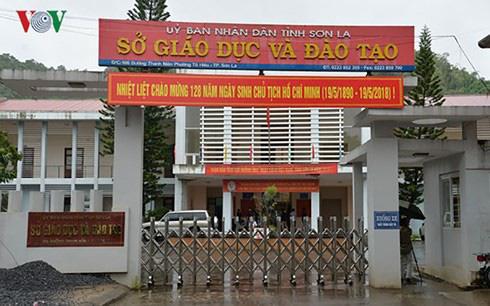 Vụ gian lận thi cử ở Sơn La: Thêm 3 đảng viên là trung gian nhờ xem điểm bị kỷ luật cảnh cáo - Ảnh 1.