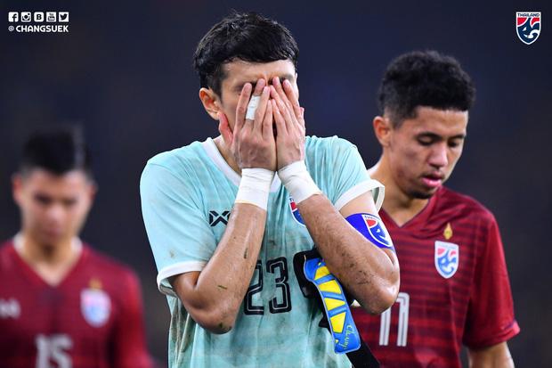 HLV đội tuyển Thái Lan tiết lộ sai lầm trong trận gặp Malaysia, thừa nhận cầu thủ đang gặp áp lực quá lớn trước khi đối đầu Việt Nam - Ảnh 2.