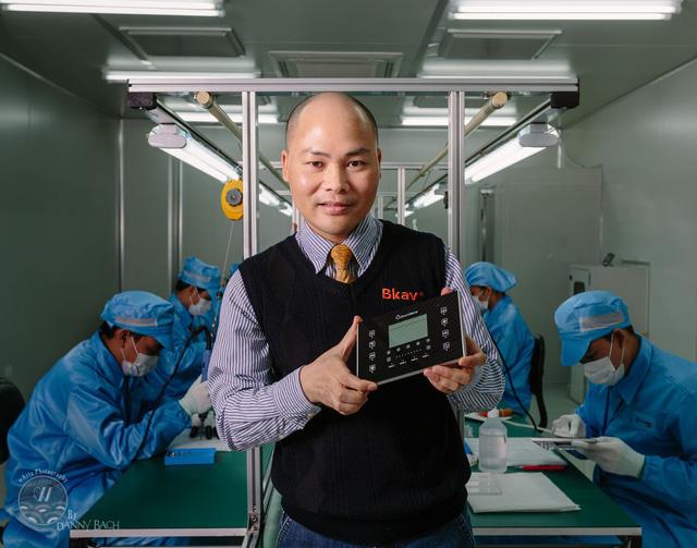 Những doanh nhân bước chân từ bục giảng ra thương trường: Từ dàn lão tướng ở FPT, CEO BKAV Nguyễn Tử Quảng, đến cá mập bà ngoại Liên Đỗ - Ảnh 8.