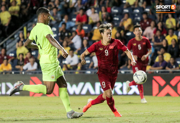 Cựu danh thủ Thái Lan buồn bã thừa nhận: Bóng đá Việt Nam vượt mặt chúng ta thật rồi - Ảnh 1.