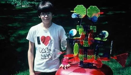 Bỏ đại học làm anh cắt cỏ thuê 'ăn bám' bố mẹ, thanh niên mê game trở thành ông chủ tỷ phú của công ty phát hành tựa game Fortnite đình đám thế giới - Ảnh 3.