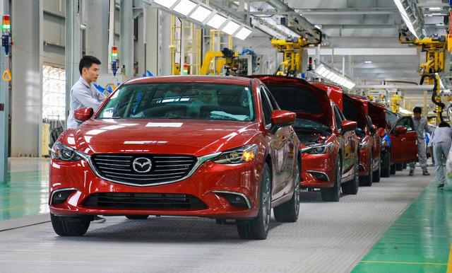 Showroom, nhà máy xe lớn nhất Đông Nam Á nở rộ tại Việt Nam - Ảnh 1.