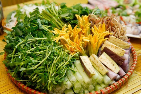 Ăn lẩu vào ngày lạnh nên tránh nhúng những loại rau này vì có thể sản sinh độc tố gây nguy hại cho sức khỏe - Ảnh 4.