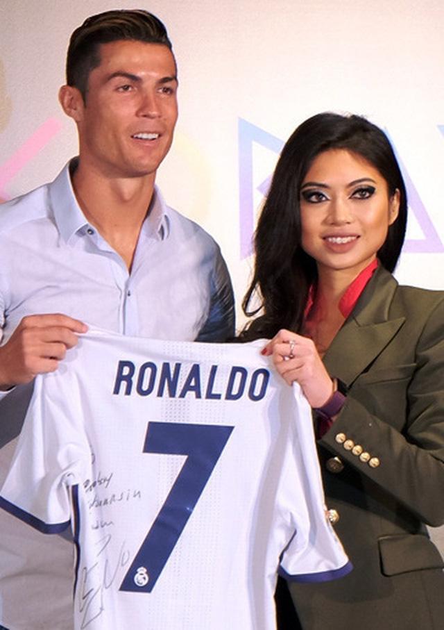Coco Trần - Nữ doanh nhân 9x từng mời Cristiano Ronaldo quảng cáo cho siêu dự án Cocobay là ai?  - Ảnh 7.