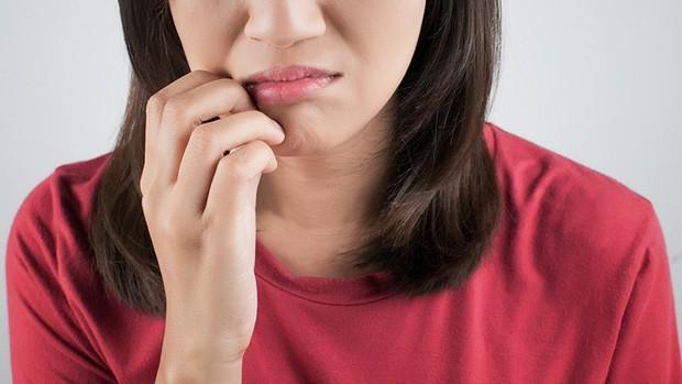 Zona thần kinh trên miệng: căn bệnh thường gặp khi trời hanh khô khiến không ít nàng cảm thấy ái ngại - Ảnh 3.