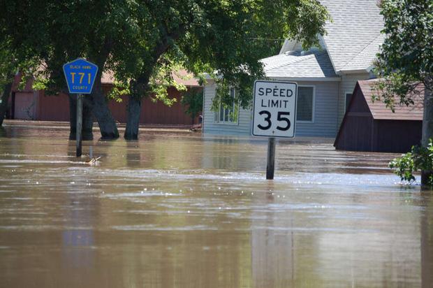 11.000 nhà khoa học cùng nhau báo động về tình trạng khí hậu Trái đất: Khẩn cấp, nếu không sớm thay đổi thì cả nhân loại sẽ gặp những thảm họa không thể dự đoán - Ảnh 2.