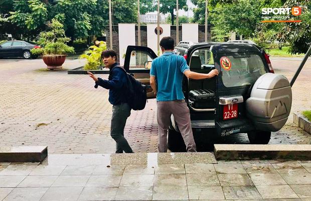 Cập nhật sự kiện HLV Park Hang-seo ký hợp đồng với Liên đoàn bóng đá Việt Nam: Nhân vật chính xuất hiện tại nhà riêng trước giờ G - Ảnh 6.