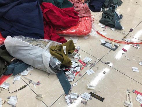 Nghi vấn vụ cắt mác 4 tấn quần áo ngoại: Sẽ mời chủ hãng NEM, IFU lên làm việc - Ảnh 2.