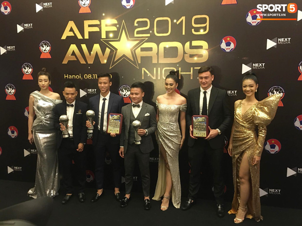 Tuyển Việt Nam thắng lớn tại AFF Awards 2019: Xứng danh anh cả Đông Nam Á - Ảnh 1.
