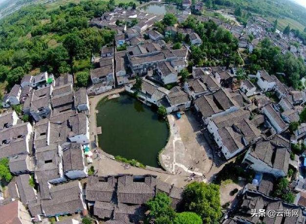 Ngôi làng thần bí nhất trung quốc do hậu nhân của Gia Cát Lượng thiết kế, người ngoài đi vào rất dễ lạc đường - Ảnh 2.