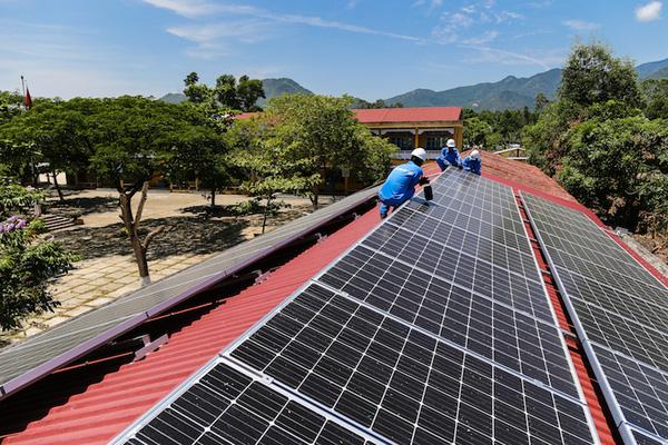 Cảnh báo khẩn, thiết bị điện mặt trời có đường lưỡi bò phi pháp - Ảnh 1.