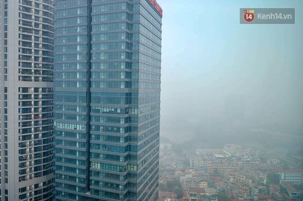 Không khí Hà Nội tiếp tục ô nhiễm nghiêm trọng khiến nhiều người phải thốt lên đầy hoang mang: Không muốn bước ra đường luôn - Ảnh 7.