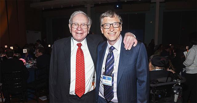 Tình tiết lừa đảo trong vụ gạ gẫm mua nhẫn 372 triệu USD của Warren Buffett với Bill Gates - Ảnh 1.