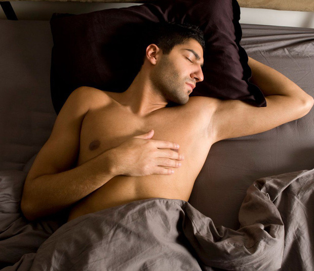 Việc nhẹ lương cao dành cho hội lười: Chỉ cần ngủ đủ 9 tiếng một ngày, thức dậy xem TV, khóc thuê ở đám ma cũng kiếm được tỷ đồng mỗi năm - Ảnh 1.