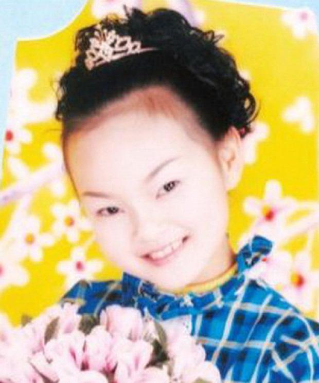 Câu chuyện về nữ thần đồng Trung Quốc tự sát ngay tại trường học hé lộ nhiều góc khuất, thức tỉnh cha mẹ ôm mộng nuôi con thành thiên tài - Ảnh 1.
